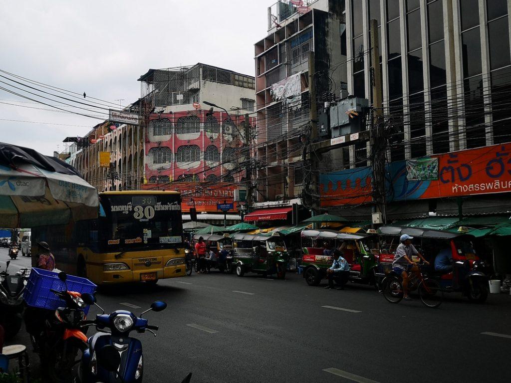 Rue de Bangkok non loin de notre hôtel