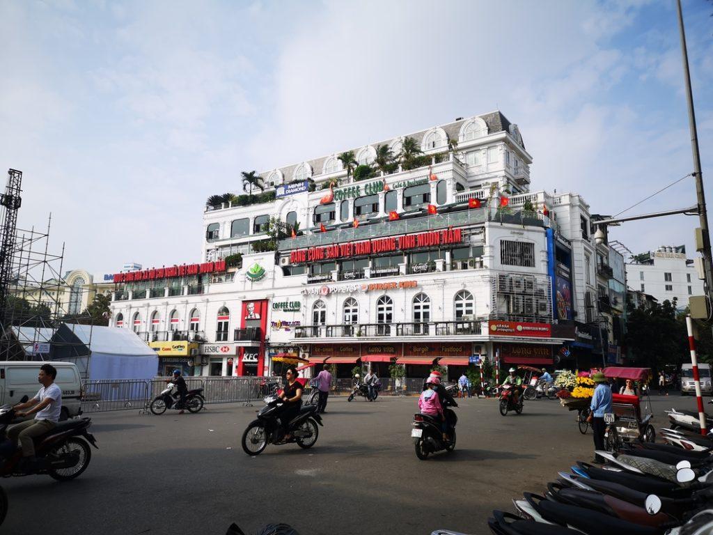Place Dong Kinh Nghia Thuc, la principale de la vieille ville