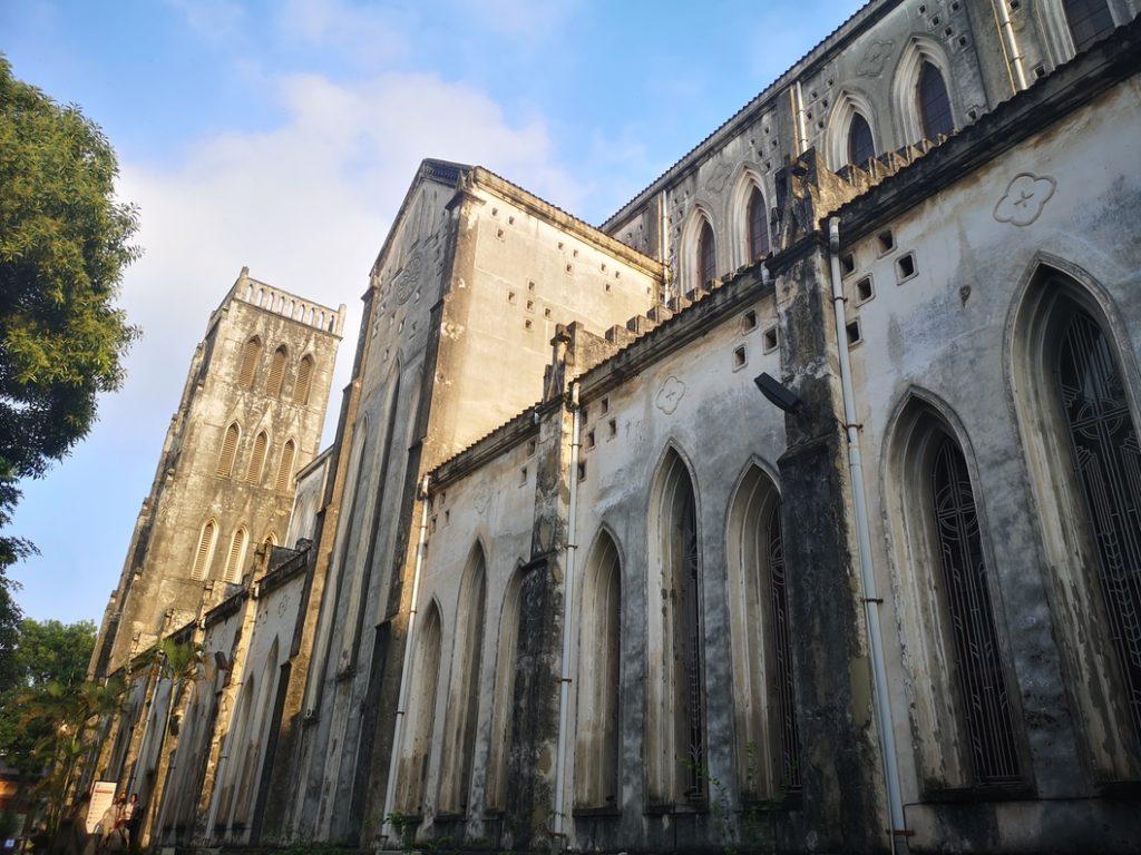 Extérieur de la cathédrale d'Hanoï