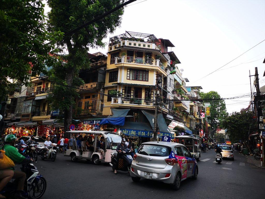 Un carrefour à Hanoï