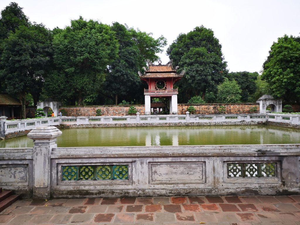 L'un des bassins du temple de la Littérature