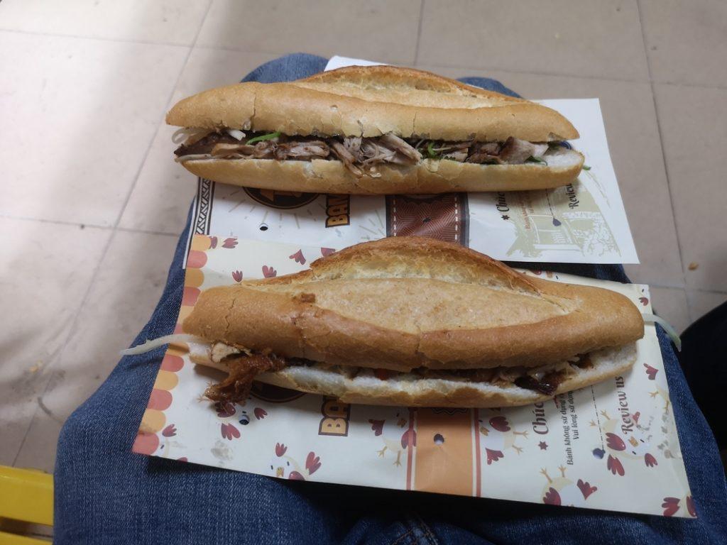Deux Banh Mi au porc