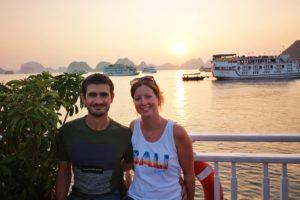 Coucher de soleil sur la Baie Tu Long au Vietnam
