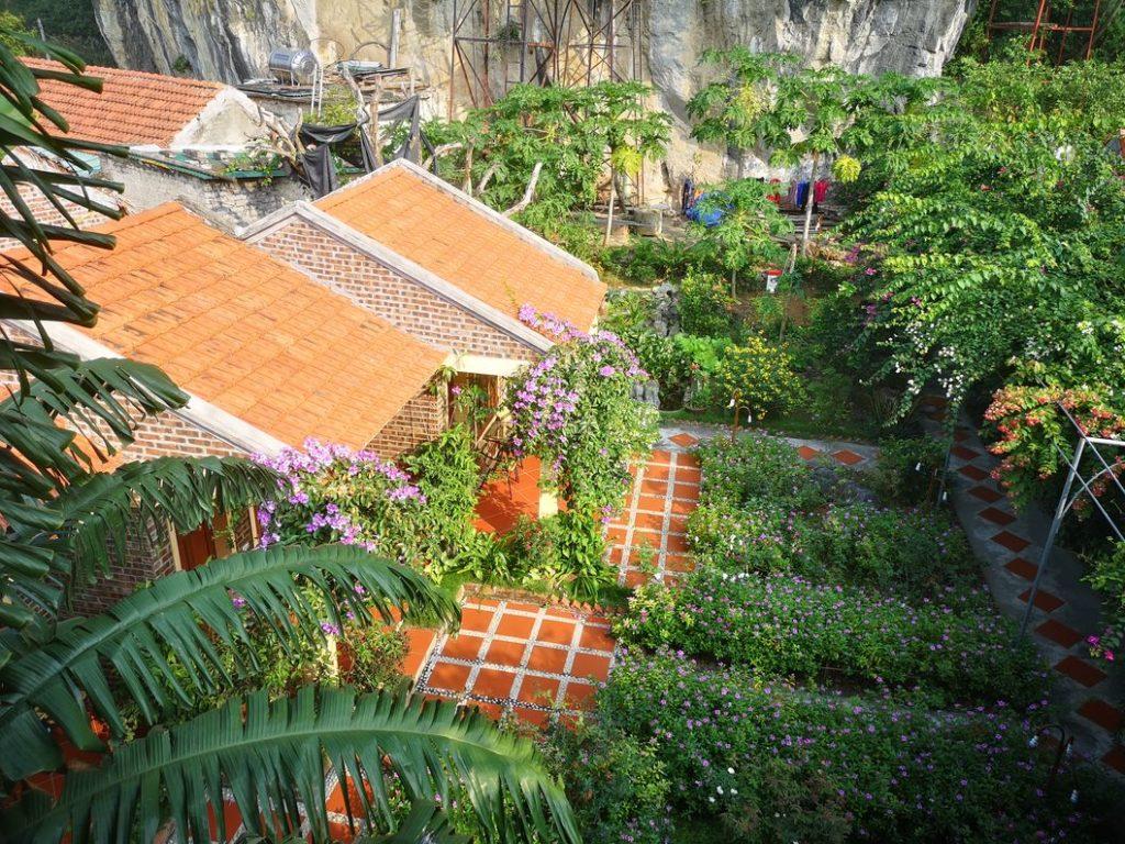 Jardin devant notre bungalow (celui du fond)
