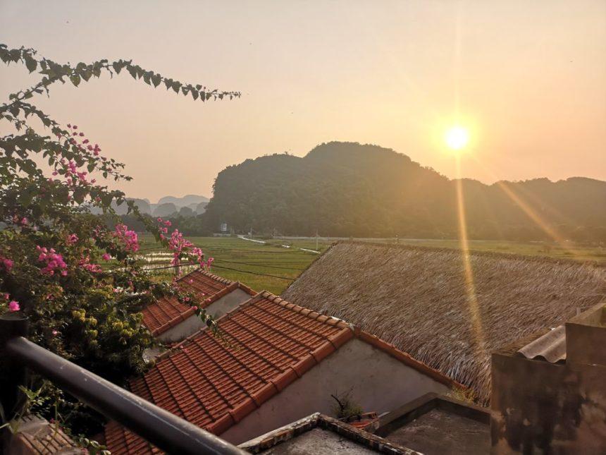 Coucher de soleil sur les rizières de Tam Coc