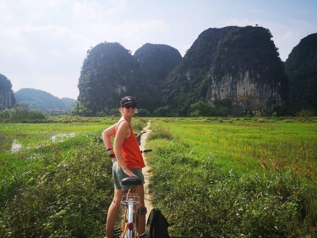 La plus belle à vélo au milieu des rizières