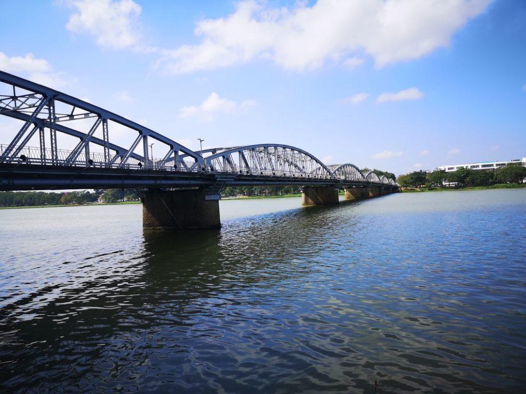 Pont Trang Tien
