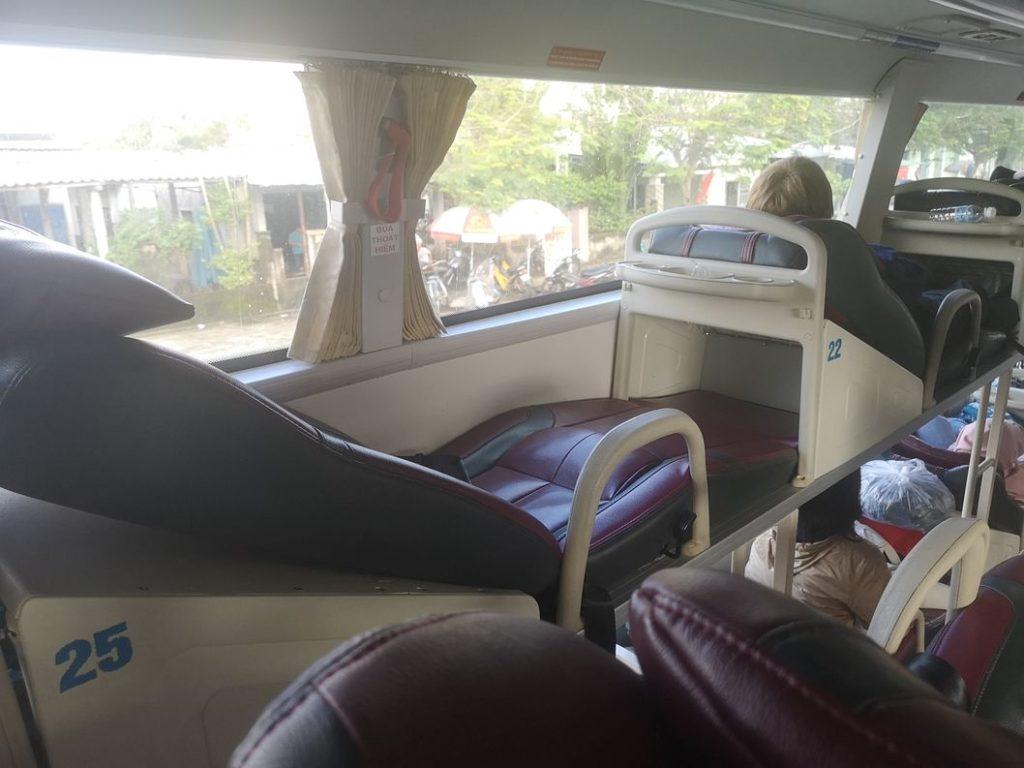 Une couchette dans le bus couchettes