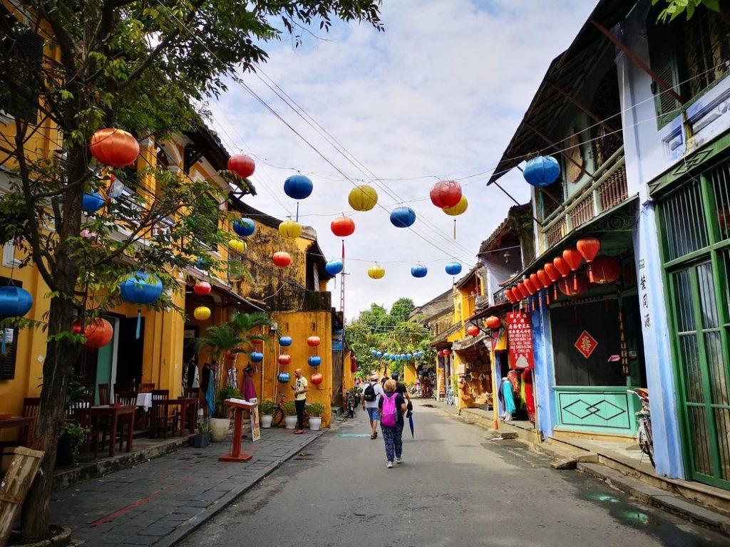 Rue de Hoi An avec ses célèbres lanternes
