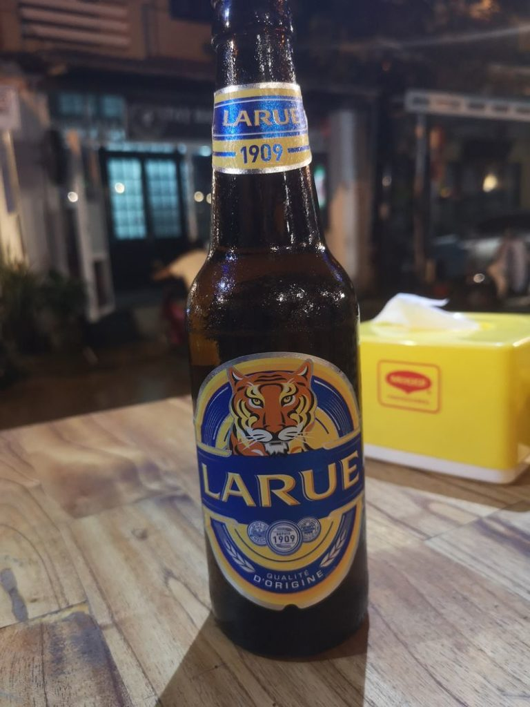"""Bière locale """"Larue"""", trace de l'héritage français"""