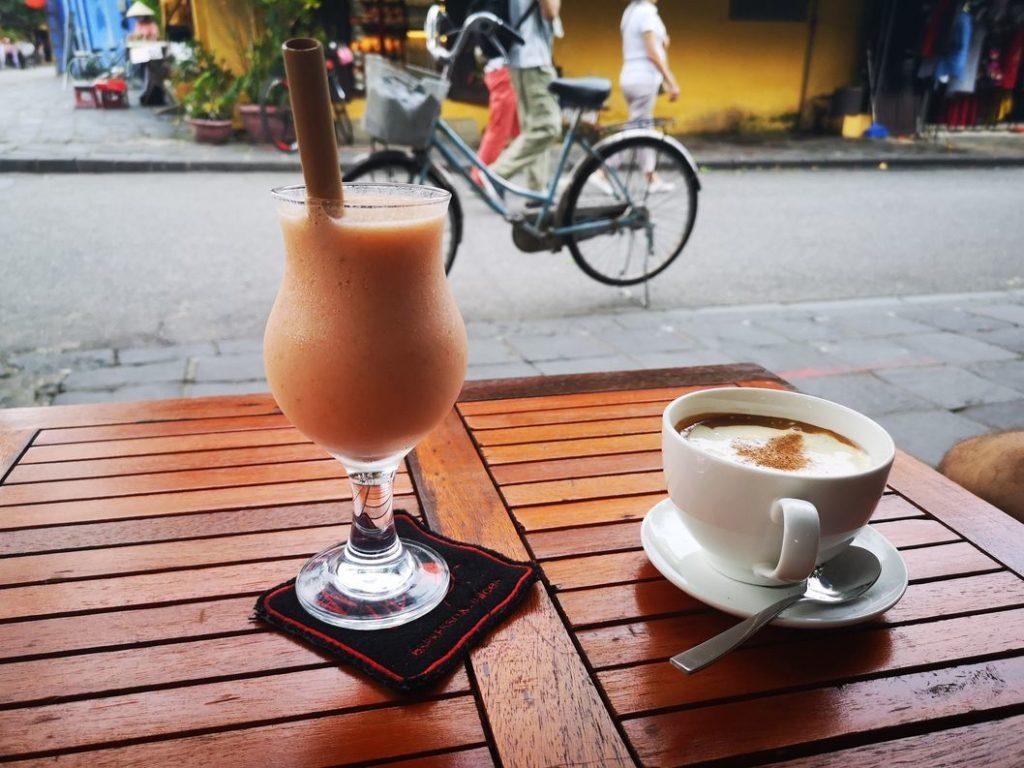Un bon jus bien mérité et un café à l'œuf