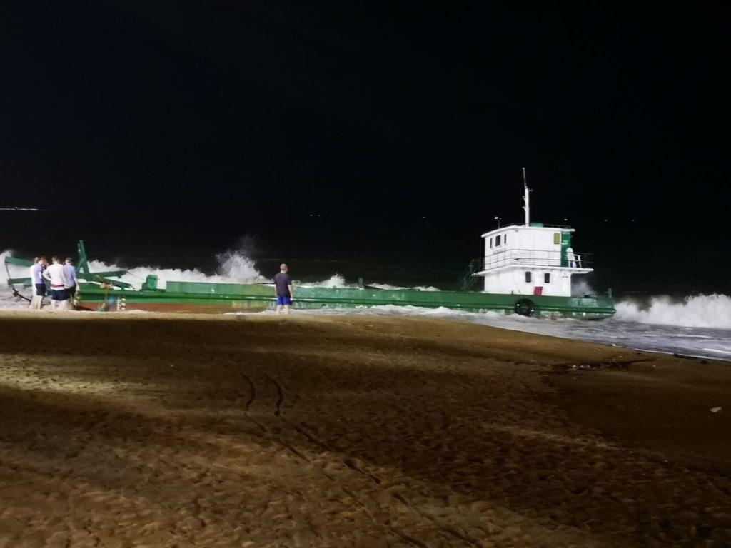 L'épave sur la plage de Nha Trang de nuit