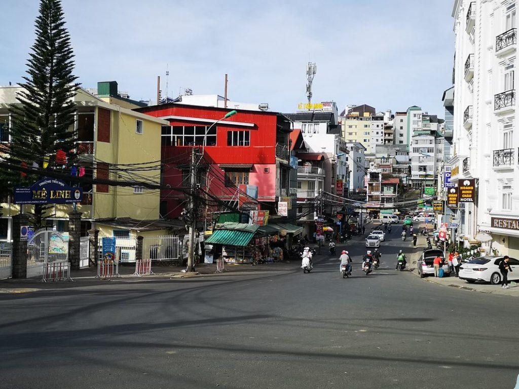 Vue dans une rue de Da Lat