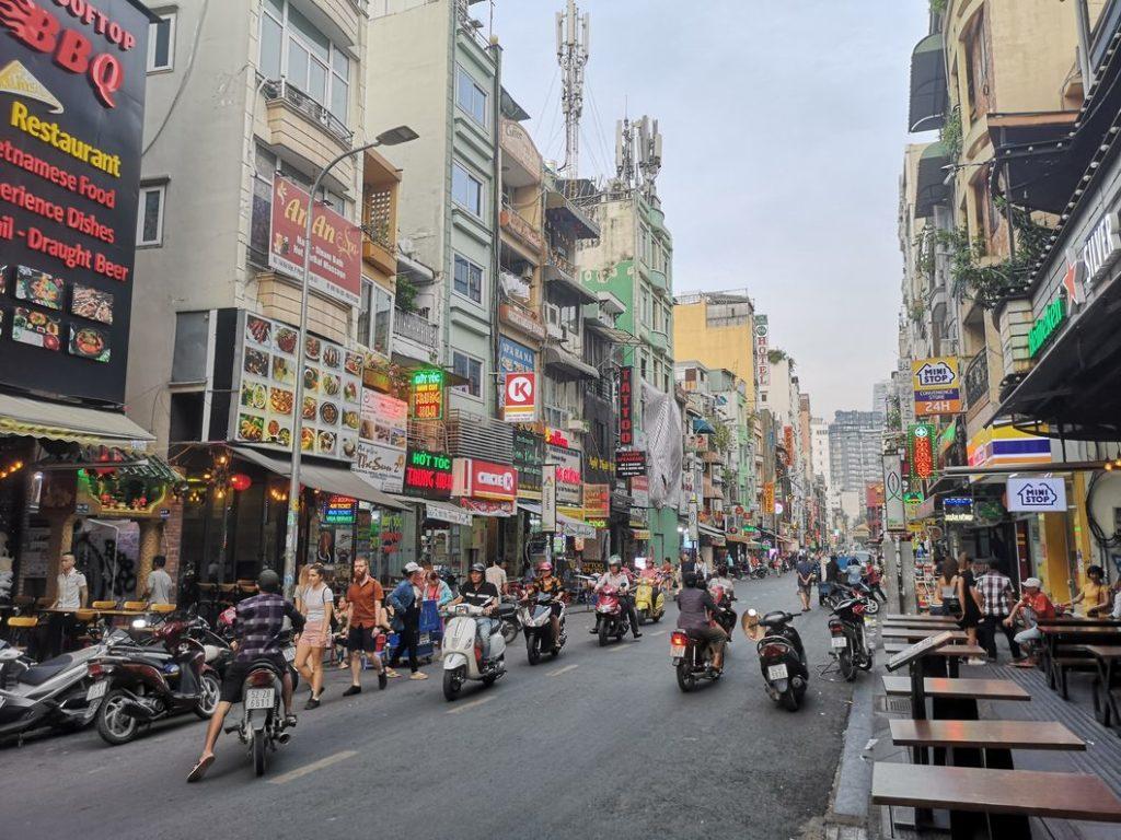 Bui Vien Street - Un peu le Kao San Road (Bangkok) de Ho Chi Minh