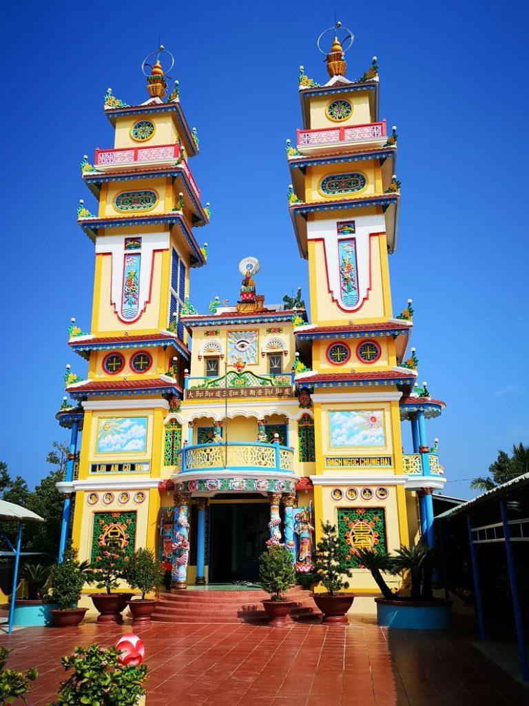 Le temple caodaïste