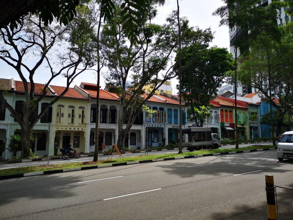 Maisons colorées sur Cantonment Road