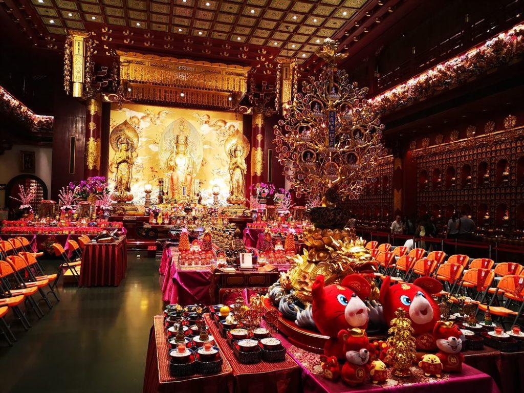 Salle principale du Temple de la Relique de la Dent de Bouddha