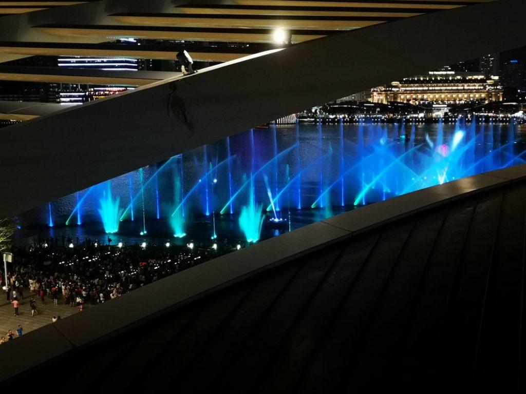 Aperçu de la seconde partie du spectacle côté baie depuis la terrasse de l'hôtel